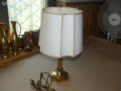 Sárgaréz ernyős asztali lámpa 43 cm