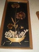 Retro  falikép, vagy tálca  szárított virág keretezett,