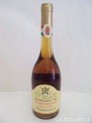 2000-es évjáratú tokaji bor