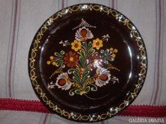 Virágos mázas kerámia falitál - 30,7 cm
