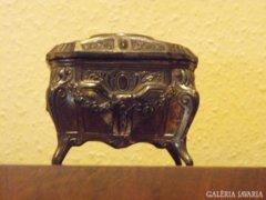 Kecses antik ékszertartó doboz