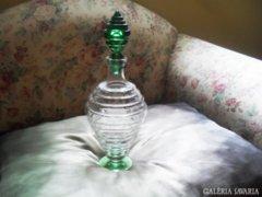Formatervezett  üveg -likőrös