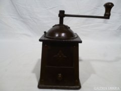 5177 Antik gyűjtői fém trapéz alakú kávédaráló