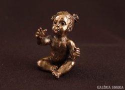 Boróka  lányka bronzszobor miniatúra kortárs