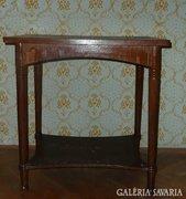 AD44 R1 Antik Thonet jellegű szalonasztal