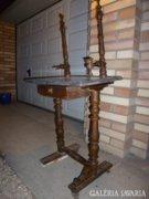 Régi felújításra szoruló gránit lapos fésülködő asztal