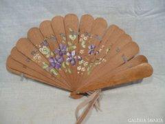 4380 L3 Régi festett virágdíszes fa legyező