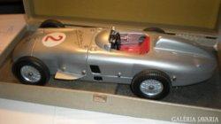 Marklin Mercedes W196 Fangio FF2 ClockWork 1:18