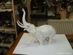 ENS elefánt figura