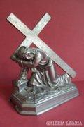Eladó antik ón Krisztus viszi a keresztet szobor