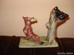 A róka és a holló kerámia figura egyenesen a meséből