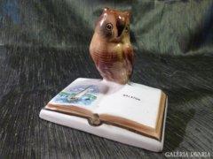 Bagoly porcelán könyvvel, Balaton felirattal 11 cm