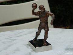 Bronzírozott ón szobor: focista - futbalista