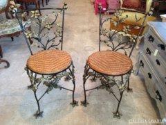 Kovácsoltvas székek