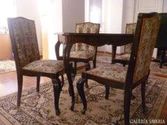 Ebédlőasztal  négy székkel