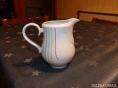 Jelzett porcelán tejkiöntő