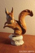 Royal Dux porcelán: nagyméretű mókus figura
