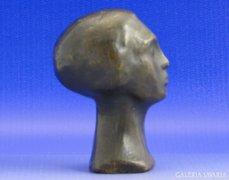 0A022 Bronz női fej kisplasztika