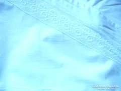 Antik paplanhuzat hímzett csipke betéttel