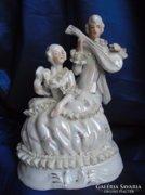 Barokk csipkés pár.