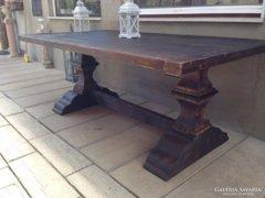 Antik bútor, trónasztal, ebédlőasztal.