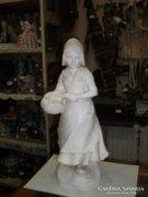 Gipsz női figura