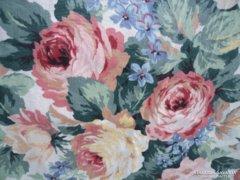 Rózsás ,virágos sötétítő függöny