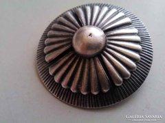 Retro ipparművészeti ezüstözött bronz bross kitűző