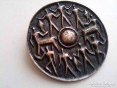 Iparművészeti bronz bross kitűző