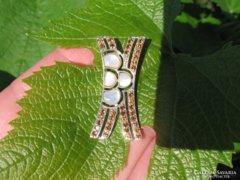 EGYEDI borostyán  cirkon és kagyló berakású 925 ezüstmedál