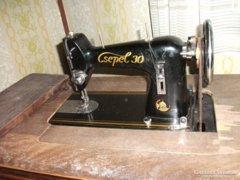 Antik Csepel 30 asztalba csukható,varrógép eladó