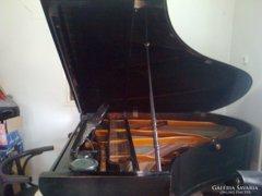 Koch&Korselt zongora