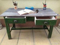 Provence bútor, antikolt íróasztal.