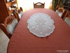Gyönyörű csipketerítő - asztalközép -