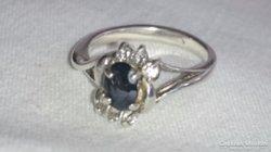 Ezüst gyűrű.
