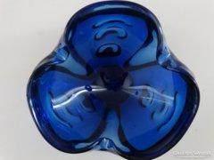 Kobaltkék Bohemia kínálótál, kívül  irizáló réteggel, 20 cm