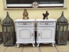 Provence bútor, fehér antikolt éjjeli szekrény Neóbarokk.