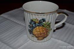 Szép, régi csésze