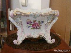 Porcelán virágtartó