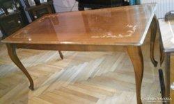 Neobarok intarziás dohányzó asztal