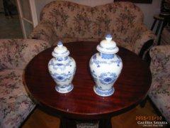 Fedeles porcelán vázák.