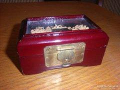 Kínai lakk doboz.