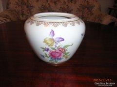 Német porcelán váza.