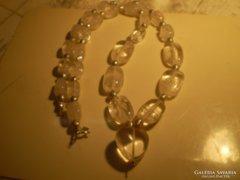 Hegyikristályos, tenyésztett gyöngyös ezüstszerelékes nyakék
