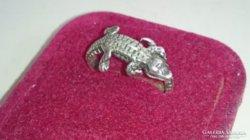 Ezüst gyűrű krokodil díszítéssel