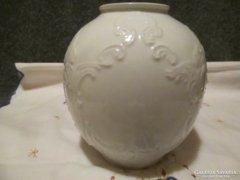 Kézzel készült Royal KPM váza, nagyon szép mintával