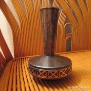Iparművészeti retro fém váza, 27 cm magas