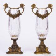 Kosfejes bronz kristály váza pár