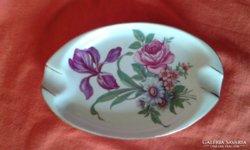Virágos porcelán hamus