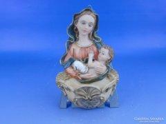 0D382 Műgyanta Mária gyermekével szenteltvíztartó